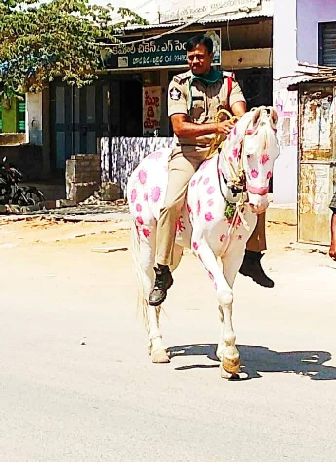 印度警察怪招真的多XD