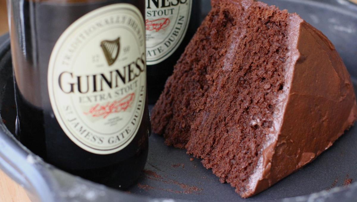 公开巧克力吉尼斯啤酒蛋糕做法!口感厚实味道浓郁!