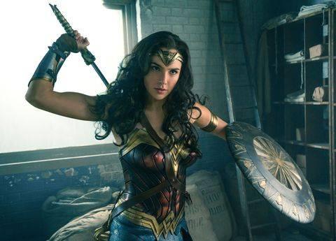 漫威和DC女英雄們之間的顏值對決!你心目中的冠軍是誰呢?