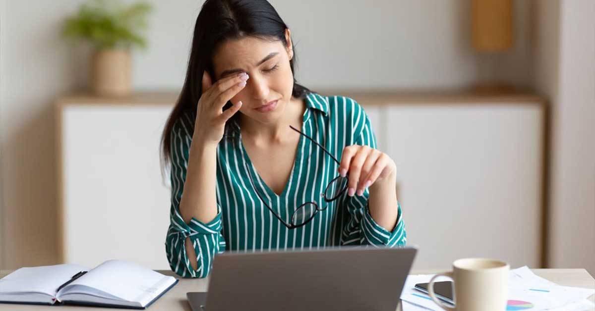 长时间面对电脑眼睛很疲劳?!电脑族必备的5大蔬果,让眼睛保持健康!