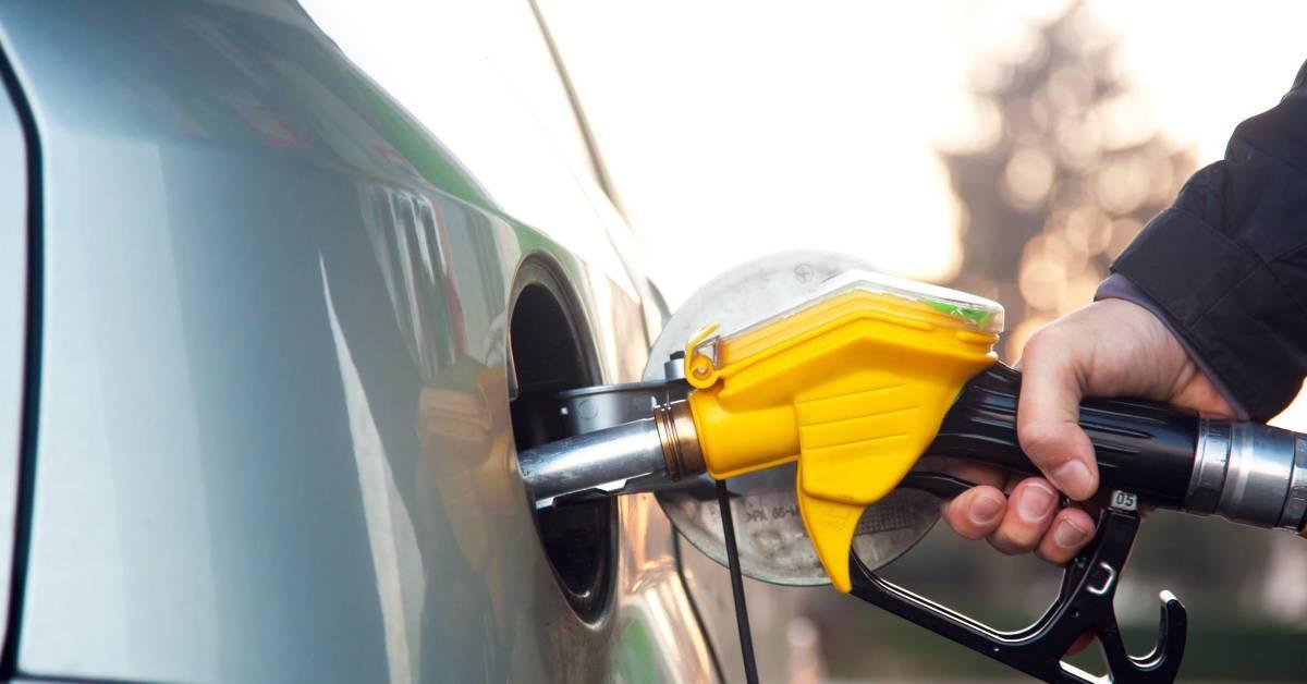 【要添油的人要快】最新燃油价格出炉!RON95和RON97涨RM0.07!