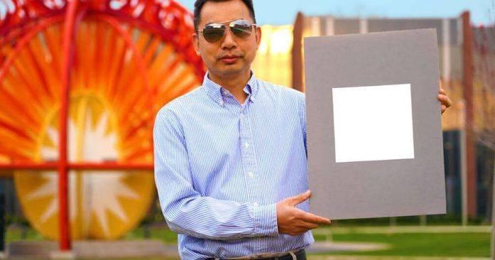 """美华裔教授研发""""全世界最白""""油漆!涂上一层,家里冷气就能少开几个小时!"""